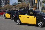 Taxis en la Plaza Europa de Hospitalet.