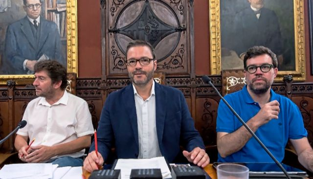 Alberto Jarabo, José Hila y Toni Noguera en un pleno de Cort.