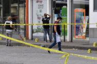 Forenses examinan el lugar del ataque en Villeurbanne