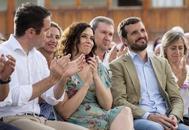 De izqda. a dcha., Teodoro García Egea, Isabel Díaz Ayuso y Pablo Casado, ayer, en Ávila.