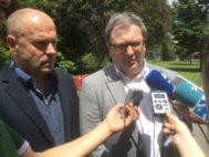 Xabier Balerdi, a la izquierda, y Juan Carlos Soto durante una comparecencia por la crisis de la OPE de Osakidetza.