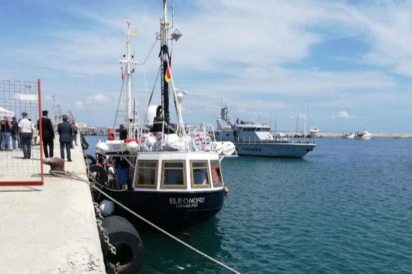 Pozzallo (ragusa) (Italy).- The German NGO migrant rescue ship...