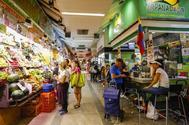Una imagen del Mercado Maravillas, en Bravo Murillo, este lunes por la mañana.
