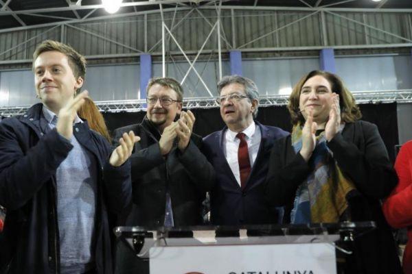 Owen Jones y Jean -Luc Mélenchon con Xavier Doménech y Ada Coalu.