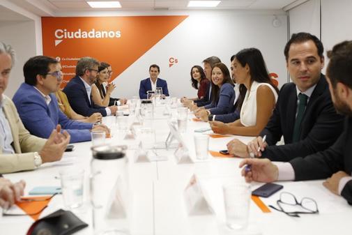 El Comité Permanente de Ciudadanos, presidido por Albert Rivera,...