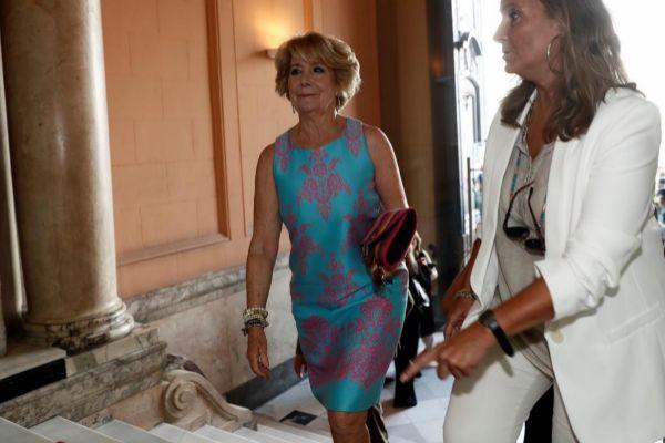 Esperanza Aguirre, en la toma de posesión de Isabel Díaz Ayuso como...