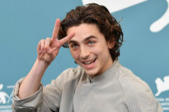 Venice (Italy).- US actor Timothee <HIT>Chalamet</HIT> poses at a photocall for 'The King' during the 76th annual Venice International Film Festival, in Venice, Italy, 02 September 2019. The movie is presented out of competition at the festival running from 28 August to 07 September. (Cine, Italia, Niza, Venecia) EPA/