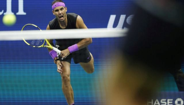 New York (United States), 02/09/2019.- Rafael <HIT>Nadal</HIT> of Spain serves to Marin Cilic of Croatia during their match on the eighth day of the US Open Tennis Championships the USTA National Tennis Center in Flushing Meadows, New York, USA, 02 September 2019. The US Open runs from 26 August through 08 September. (Tenis, Abierto, Croacia, España, Estados Unidos, Nueva York) EPA/