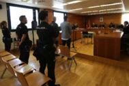 Los dos acusados mostraron su arrepentimiento ante el tribunal.