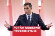 Pedro Sánchez, ayer, durante la presentación de su programa de gobierno.