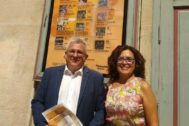 El edil Antonio Manresa y la directora en funciones del Principal, Dolores Padilla, en la presentación del nuevo cuatrimestre del teatro. E.M.