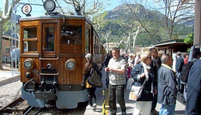 El tren en la estación de Sóller en una imagen de archivo.