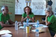Los responsables de Fampa, este martes, exponiendo sus reivindicaciones para principio de curso.