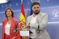 Gabriel Rufián y Carolina Tellechea, de ERC, este miércoles en el Congreso de los Diputados.