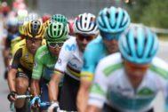 """GRAF4716. ANDORRA.- (De der a izq) El ciclista colombiano del equipo Astana, Miguel Ángel """"Superman López""""; su compatriota del equipo Movistar, Nairo Quintana; el eslovaco Primoz Roglic y el español Alejandro Valverde, durante la novena etapa de la 74 <HIT>Vuelta</HIT> a <HIT>España</HIT> 2019, con salida en la localidad de Andorra La Vella y meta en Cortals D' Encamp, y un recorrido de 94,4 kilómetros. El esloveno Tadej Pogacar (UAE Emirates), de 20 años, fue el vencedor de la novena etapa de la <HIT>Vuelta</HIT>, en la que el colombiano Nairo Quintana se enfundó el maillot rojo de líder."""