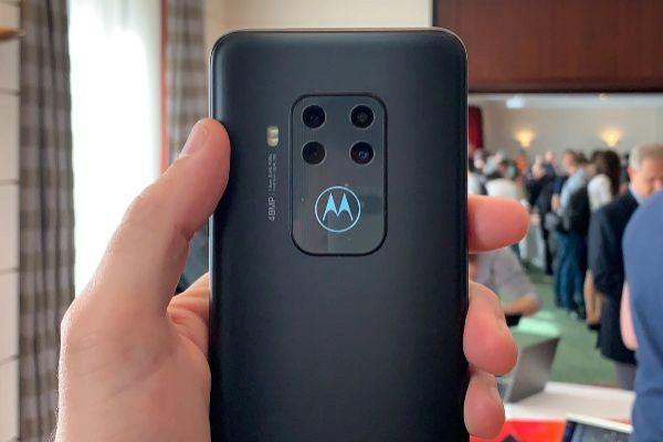 Así es el Motorola One Zoom, el móvil de 4 cámaras