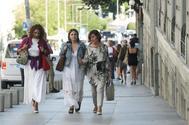 Las socialistas María Jesús Montero, Adriana Lastra y Carmen Calvo, a su llegada a la reunión con Unidas Podemos en el Congreso.