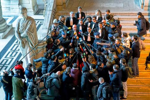 Los abogados de Carles Puigdemont (Paul Bekaert y Jaume Alonso), en...