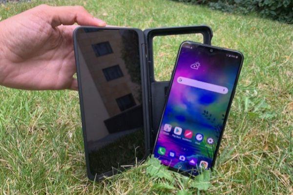 LG vuelve a apostar por la 'doble pantalla' con el G8X ThinQ