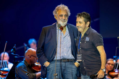 Plácido Domingo y su hijo, el pasado 27 de agosto, en Hungría.