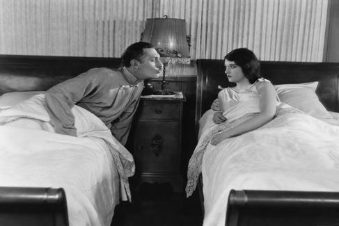 Por qué dormir separados es el secreto para mejorar tu vida sexual