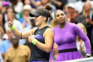 Andreescu y Serena, en la final.