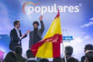 Miguel Abellán junto a Casado en un acto un acto con candidatos al Congreso y al Senado celebrado en la campaña de las autonómicas y municipales.