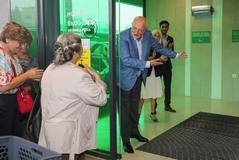 El presidente de Mercadona, Juan Roig, en la inauguración de la primera tienda en Portugal