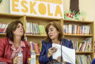 La consejera Cristina Uriarte durante la presentación del nuevo curso escolar en el colegio Gurutzeta de Barakaldo.