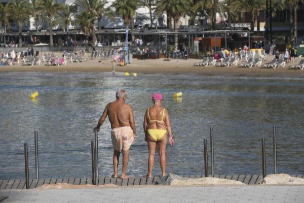 Dos turistas en Salou (Tarragona).