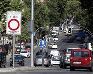 Acceso a la zona de restricción al tráfico de Madrid Central desde la glorieta de Atocha.