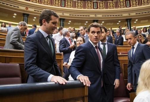 Pablo Casado y Albert Rivera, en el Congreso de los Diputados.