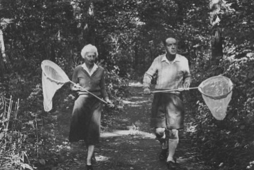 Véra Nabokov con una Browning en el bolso | La Esfera de Papel