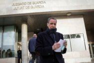 Eduardo Zaplana, el pasado mes de febrero, en los juzgados de Valencia.