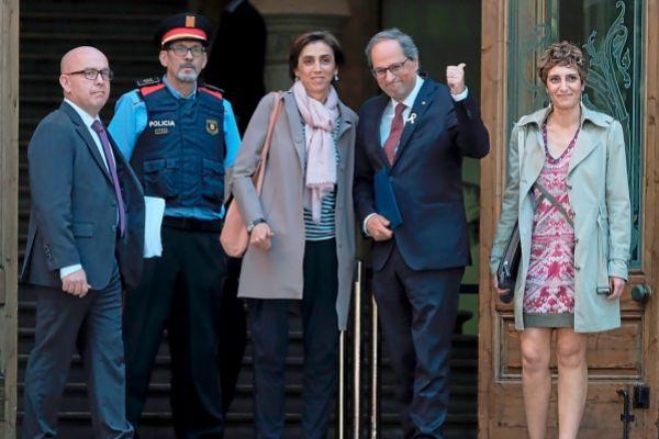 El president Torra a las puertas del Palacio de Justicia en mayo.