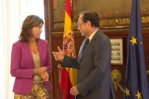 Inés Bardón y Vicent Soler, este martes, durante su encuentro.