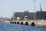 Maquinaria en el recinto del Puerto de Alicante.