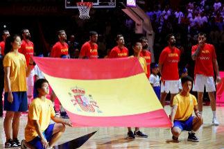 Los jugadores españoles, antes del partido ante Polonia