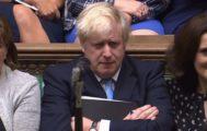 """El caos se apodera del Parlamento """"silenciado"""""""