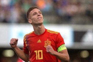 GRAF9769. CASTELLÓN.- <HIT>Dani</HIT> <HIT>Olmo</HIT> celebra su gol ante la selección de Montenegro en el encuentro sub-21 clasificatorio para la Eurocopa 2021, disputado este martes en el estadio de Castalia (Castellón).