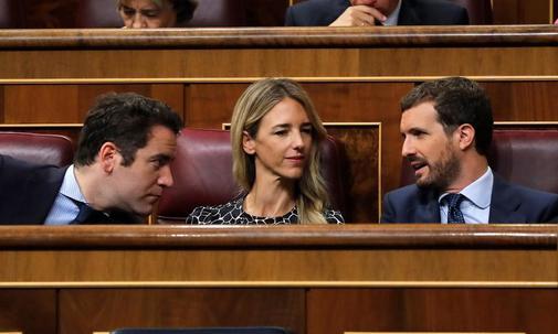 Teodoro García Egea, Cayetana Álvarez de Toledo y Pablo Casado, en...
