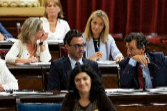 El Grupo Popular durante la sesión parlamentaria.