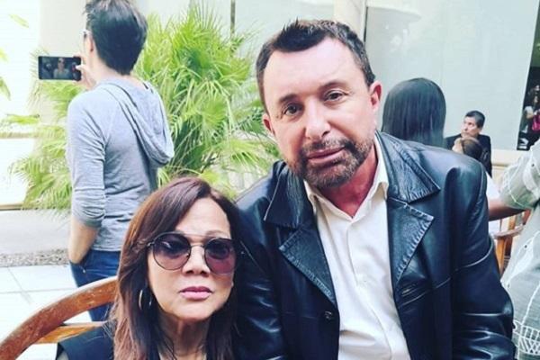 Ángela Carrasco y José Manuel Parada en el velatorio de Camilo Sesto