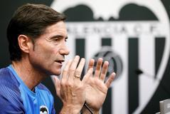 El Valencia despide a Marcelino y apuesta por Celades