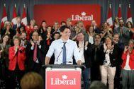 Justin Trudeau se dirige a los simpatizantes de su partido, en Ottawa.