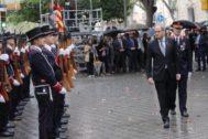 El president Quim Torra, ayer, en la ofrenda en el monumento de Rafael Casanovas.