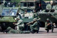 Venezuela: tanques en vez de medicinas
