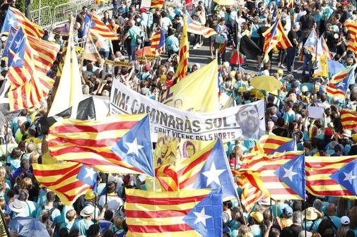 Manifestantes independentistas durante la Diada de 2019.