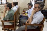 Los seis hermanos Ruiz-Mateos, en el banquillo.