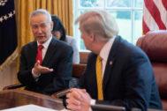 Donald Trump y el viceprimer ministro chino Liu He en la Casa Blanca.